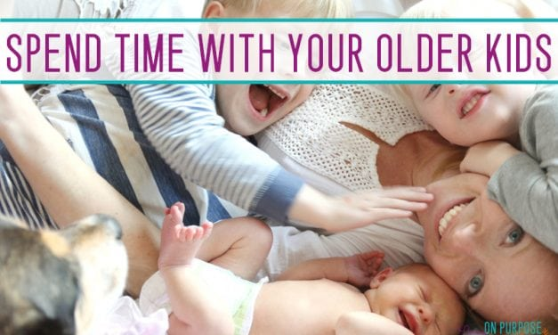8 Ways to spend time with your toddler when you have a newborn